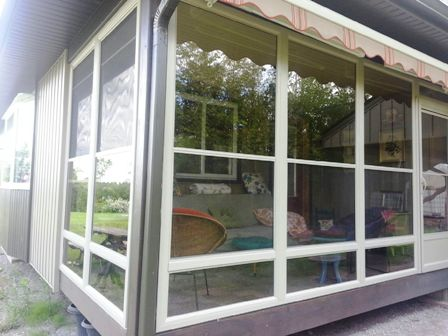 Decorating retractable screens for windows inspiring for Retractable screen porch systems
